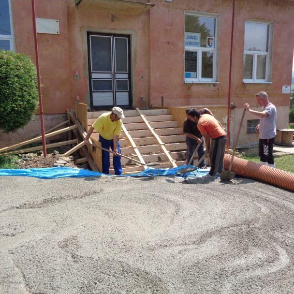 Rekonštrukcia schodov v Základnej škole